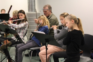 Børnene i Gladsaxe Musikskole deltog engageret i jazzdagen d. 22. november 2014. Gladsaxebladet. Foto: Annette Birch